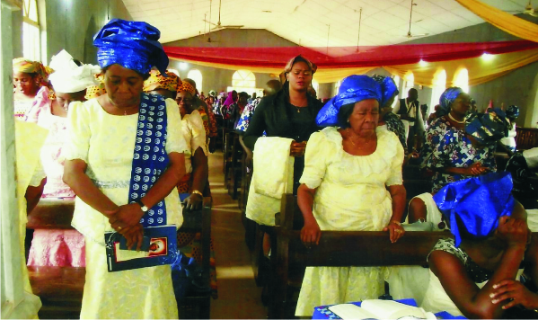 The wife of the Anglican Bishop of Owerri Dr Mrs Eunice Okorocha (the deceased sister and other relations at  the funeral service.